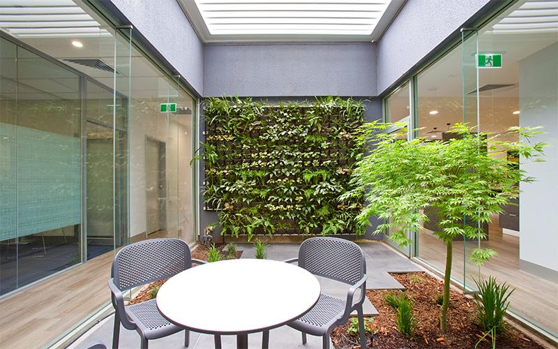 Modern Office Fitout Ideas / Formula Interiors