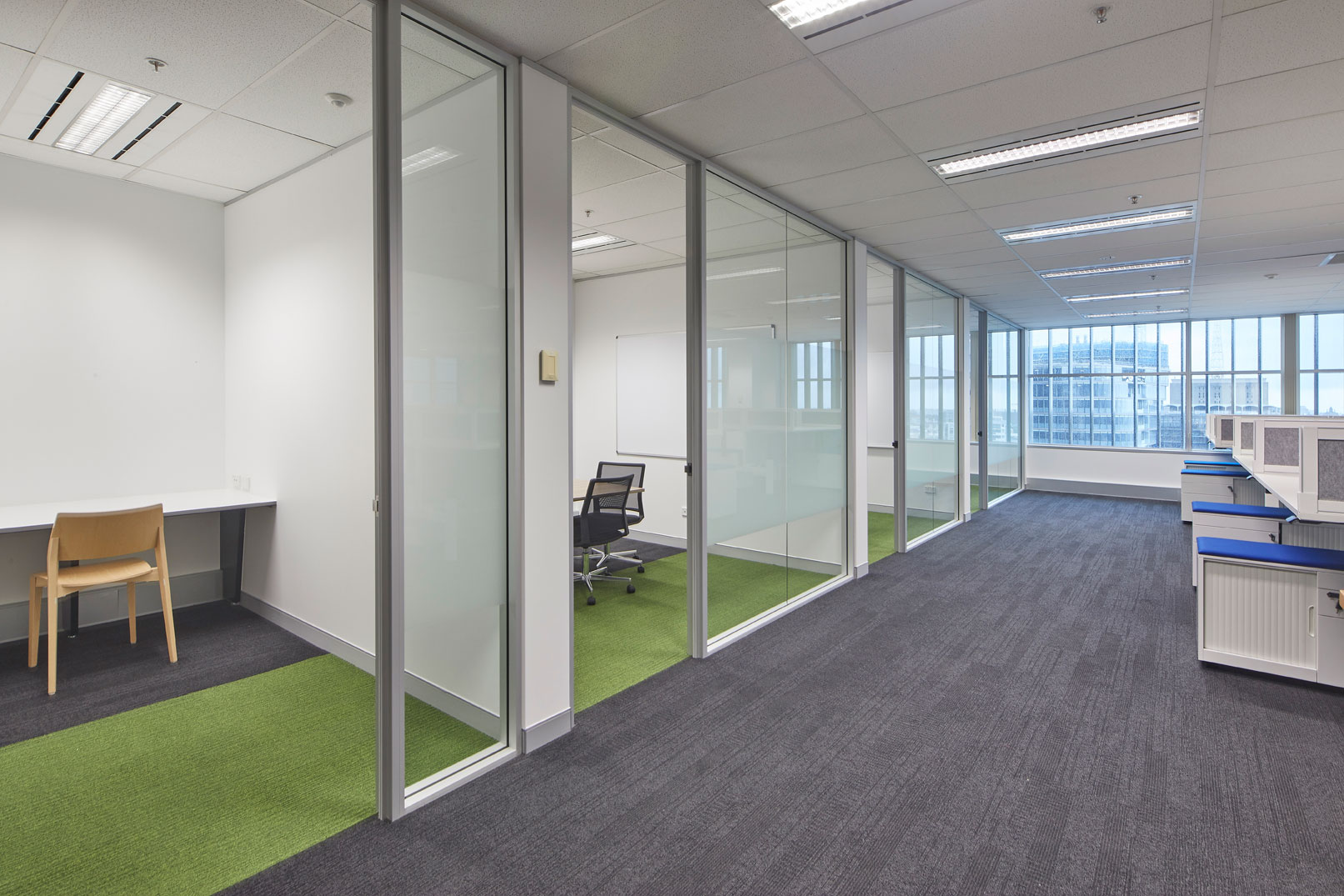 3 Key Signs it is Time to Consider an Office Refurb / Formula Interiors